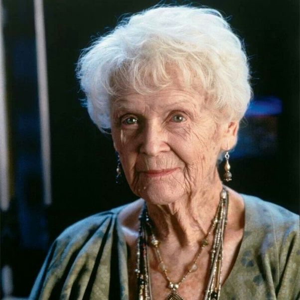 who was the old lady at the end of the movie titanic quora