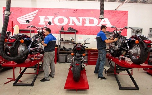 You Can Easy Way To Find The Authorized Honda Motorcycles Service Center For Bike And Scooter In Ahmedabad City Is Right Here Get Complete Information
