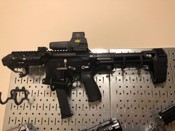 What's the difference between a $400 AR-15 and a $1400 AR-15