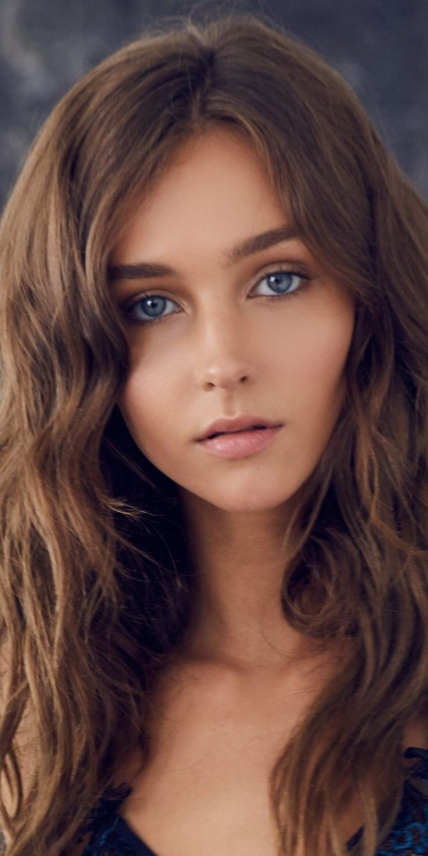 What are the best pictures of top model Rachel Cook? - Quora
