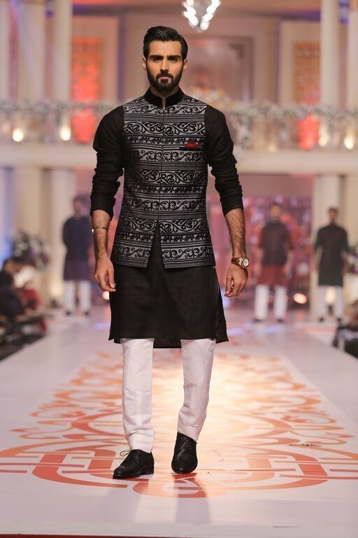 What are the possible party wear dresses for men? - Quora