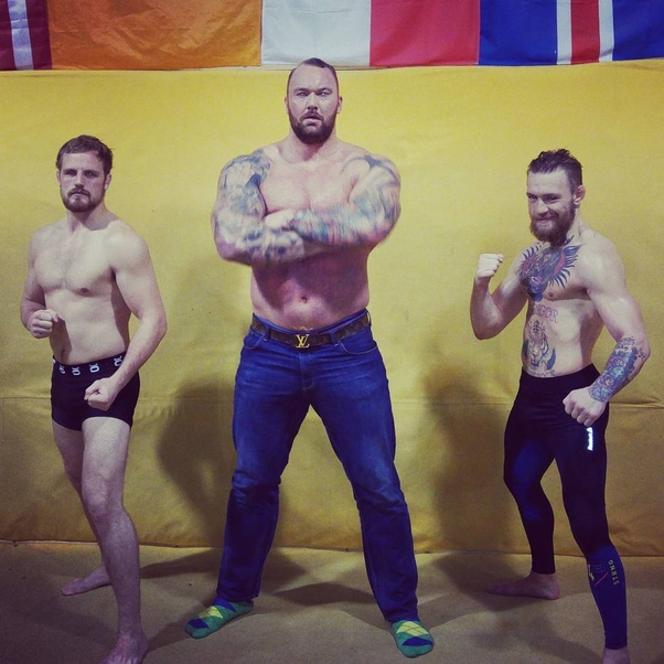 Can an average skinny martial artist win a fight against ...