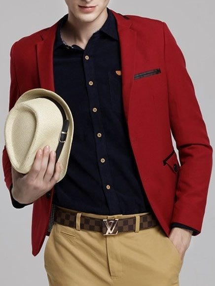 What colour of jeans should i wear with a red blazer quora for Beige pants what color shirt
