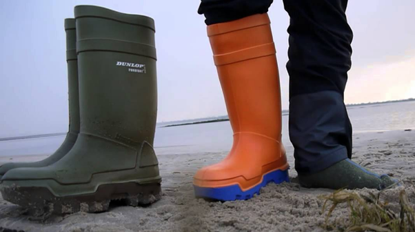 b8086ddfad2d How functional are rain boots in snow  - Quora