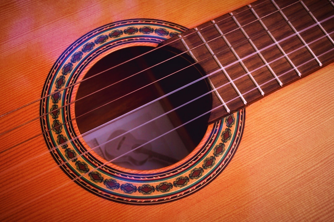 Is An Electric Guitar Harder To Play Than A Classical Guitar Quora