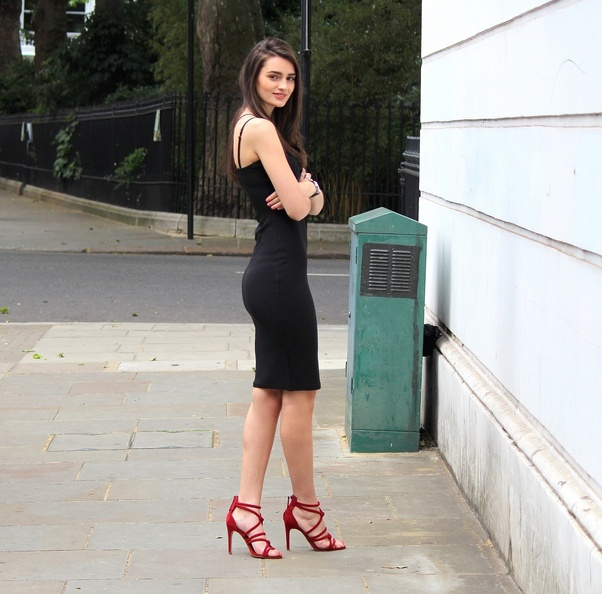 f676e0342003b Can I wear a black dress with olive heels? - Quora