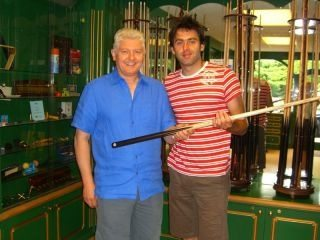 What Brand Of Snooker Cue Does Ronnie O Sullivan Use And