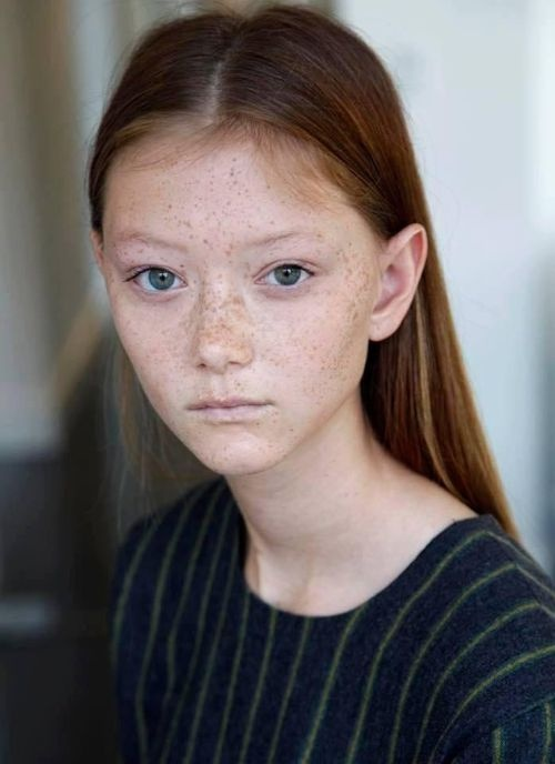 Models with big noses