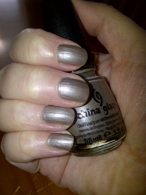 What Color Nail Polish Should I Wear With A Silver Dress