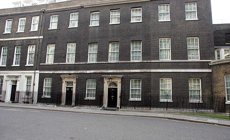 Why does the british prime minister live in a little for Whats a terraced house