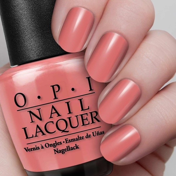 What color nail polish should I wear with a green dress? - Quora