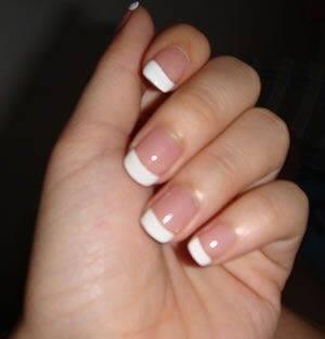 Beige dress what color nails