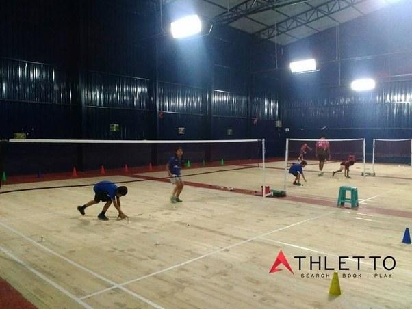 Book badminton court near me
