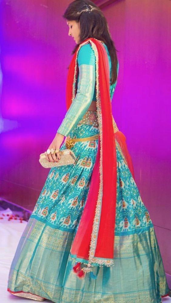 cc67b35c57a759 Which colour blouse would suit a peacock blue ikkat lehenga? - Quora