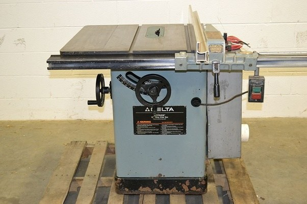 In what ways will changing my table saw from 110v to 220v help the above photo is an example of a cabinet saw its the delta 10 unisaw i owned this model and it ran on 110v and was a great saw for around 1200 greentooth