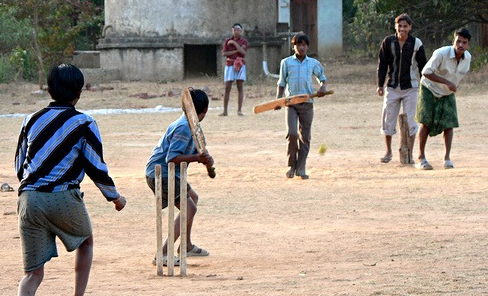 Kids Playing Cricket In Pakistan
