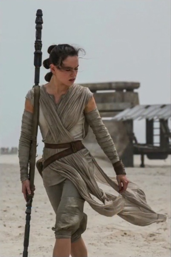 Spoiler Alert Who S Lightsaber Is Rey Holding At The End Of The Rise Of Skywalker Quora