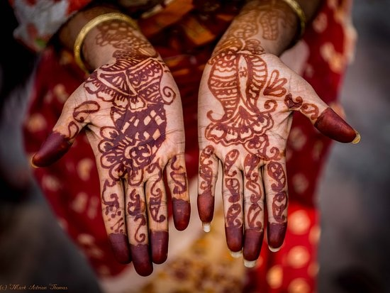 Is Henna Always Done With Black And Or Natural Muted Colors Quora