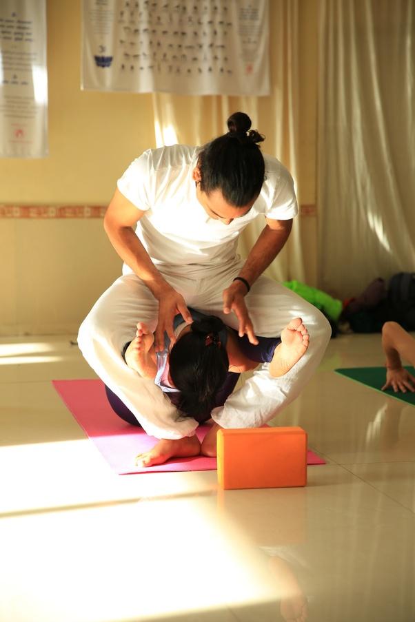 Which yoga center provide the best Ashtanga yoga teacher ...