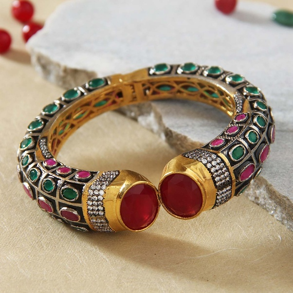 Pick These Birthday Gifts For Elder Sister And She Is Sure To Appreciate Your Sweet Gesture
