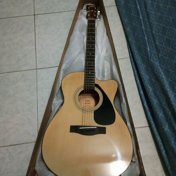 Which guitar is better the yamaha f310 or fs100c quora for Yamaha fs 310 guitar