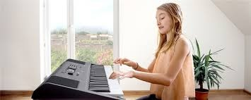 Which Is The Better Keyboard Yamaha I455 Or Roland E X20