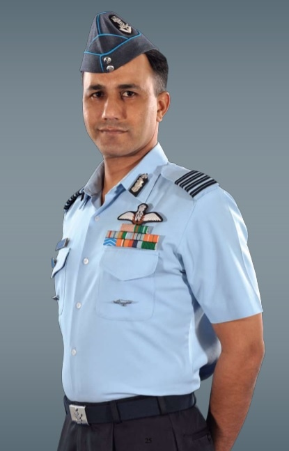 5345a7d4db7 Why are there different types of uniforms for pilots of the Indian ...