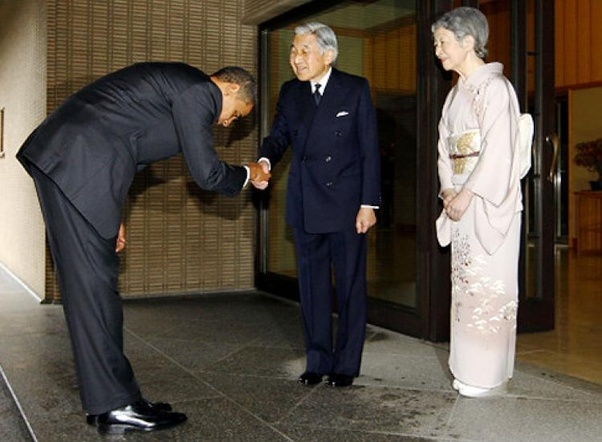 Why dont chinese people bow to their elders like korea and japan the chinese do bow on occasion but not as often as the japanese or koreans do but it should not infer the chinese are less respectful to elders m4hsunfo