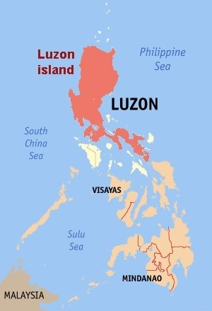 How many islands make up the Philippines and which one is the ...