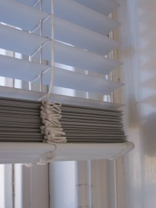 What Are The Best Ways To Clean Aluminum Blinds Quora