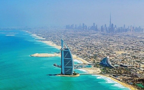 Dubai, With Its Wonderful Hot Climate, Miles Of Beaches And Thriving  Economy Is A Popular Destination For Expats From All Over The World.