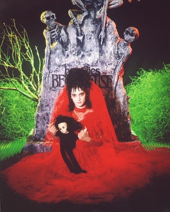What are some costume ideas to be Lydia from Beetlejuice? - Quora