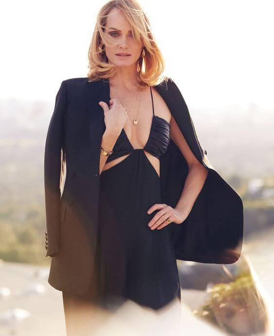 What are some jaw dropping photos of Amber Valletta? - Quora
