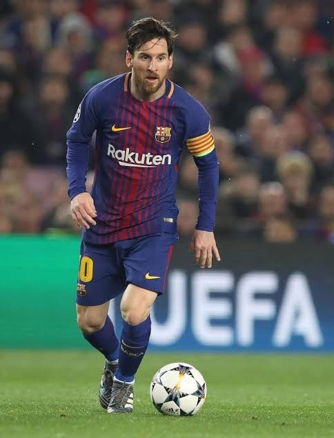 0af2e13a4e6 The One and only GOAT. how can we leave him out if we are making team of  best players. Simply best in the world. also he would be taking free kicks  for my ...