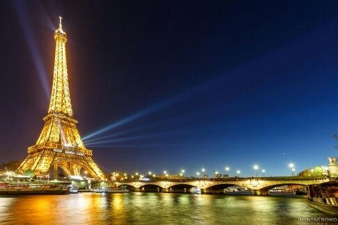 what are the most recognizable landmarks in each country quora