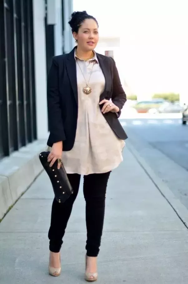 what are some good fashionable business casual looks for women