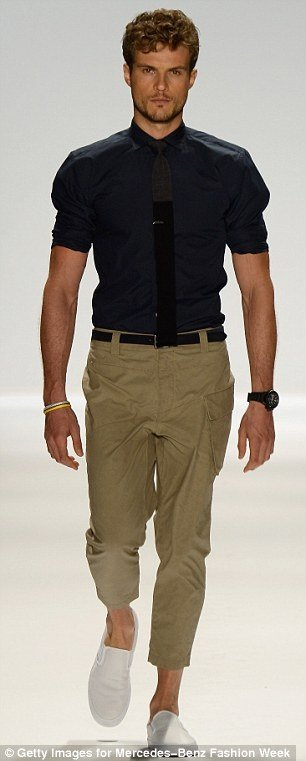 Is it okay to wear a black shirt with khaki pants? - Quora