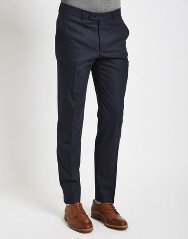What Shoes To Wear Under Beige Suit