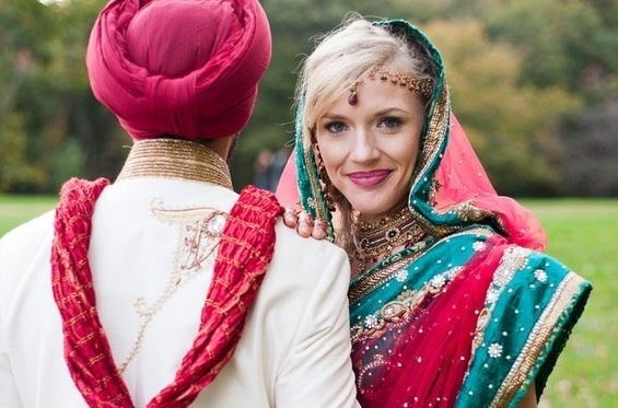 Indian bride: What do you prefer to wear on your wedding day ...