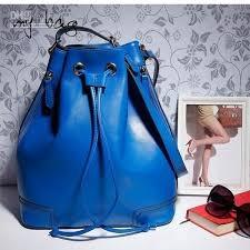 49b683c24905 What kind or design of bag would you gift to a girl who need it for ...