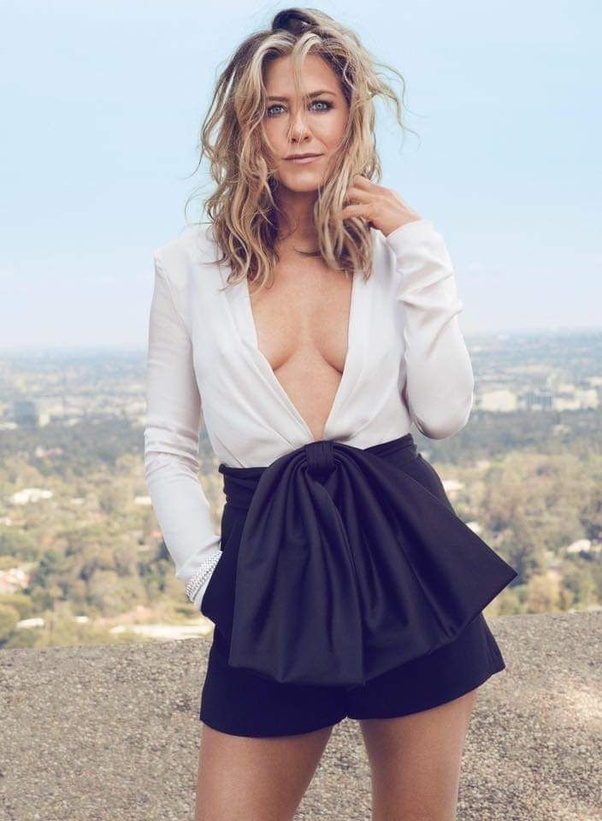 jaw dropping images of Jennifer Aniston from her photoshoots