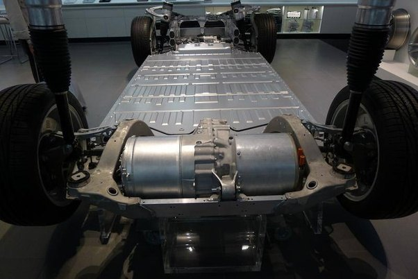 Why can't established car manufacturers build an EV that ...