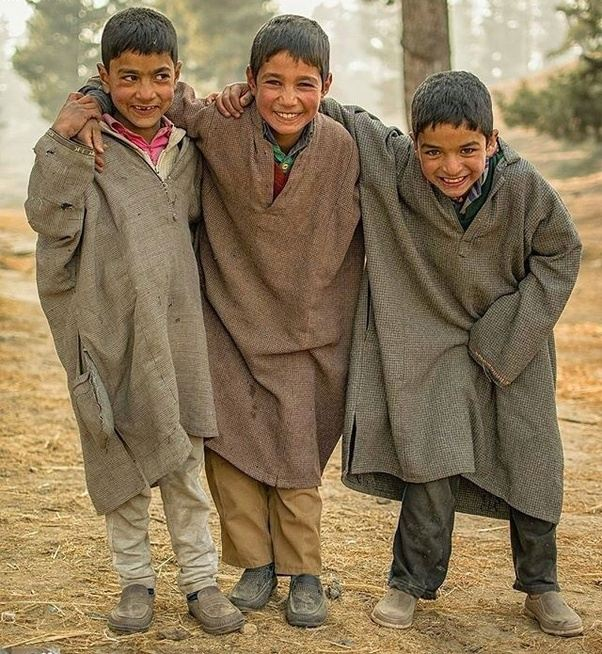 Kashmiri People Beautiful 94998 | USBDATA