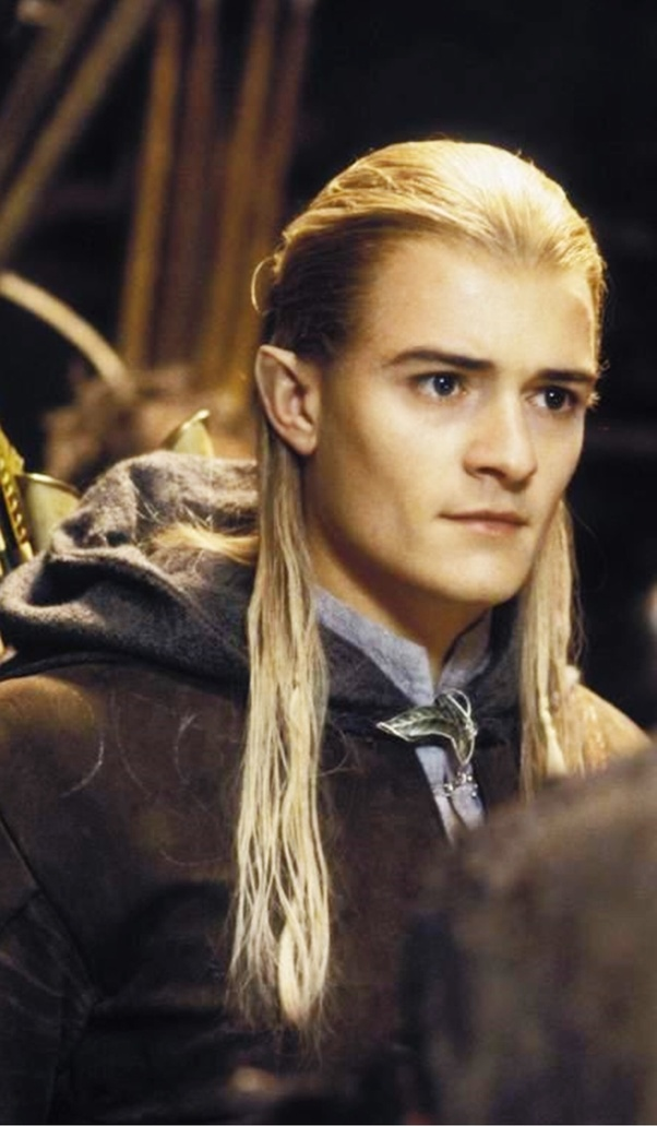 Why does Legolas seem so different in the Hobbit movies ...