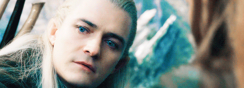 Why does Legolas (Orlando Bloom) have brighter eyes in the ...