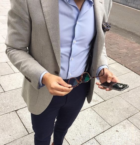 What are the best color shirts for a light grey blazer and ...