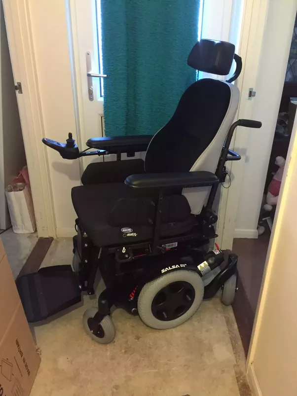 why do wheelchairs have small front wheels quora
