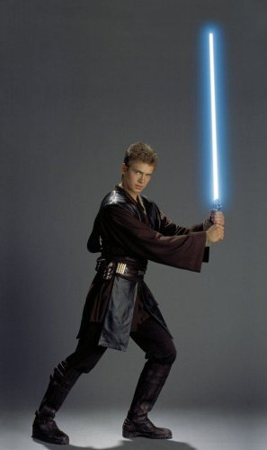 Why Was Anakin S Lightsaber Green In Episode 2 But Blue In Episode 3 Quora