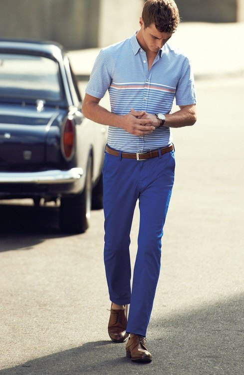 What color shoes and shirt can I wear with blue pants? - Quora