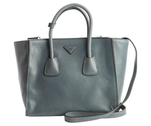 Head To For A Revolving Stock Of Designer Bags Less Most Are Ed Between 20 And 30 By Brands Like Prada Saint Lau Givenchy